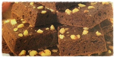 We have seen all kinds of Brownie mixes over the years and have tried several. This Low Fat Home Made Brownies Recipe is a good looking recipe.