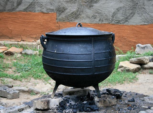cooking-pot-165097_640